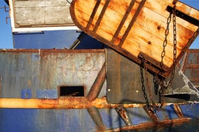 rusty-boat